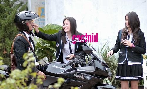 Foto Kevin Julio, Jessica Mila, dan Prilly Latuconsina Saat Syuting Ganteng Ganteng Serigala