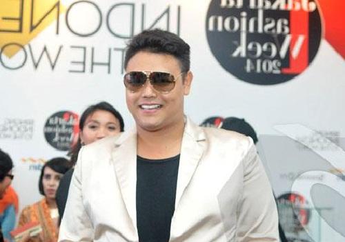 Model Rambut Ivan Gunawan Terbaru