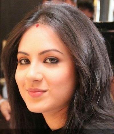 Foto Wajah Asli Parwati Pemeran Serial Mahadewa Pooja Bose