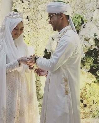 foto ceng zamzam dan kayla nadira istrinya menikah